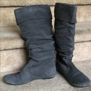 Shoes - Suede slouchy boots